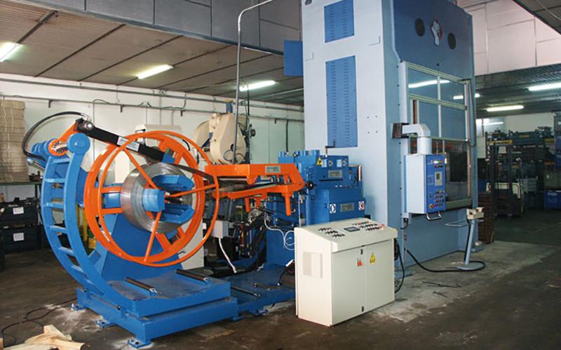 Produzione di minuterie metalliche e stampati vanzella for Produzione mobilifici treviso